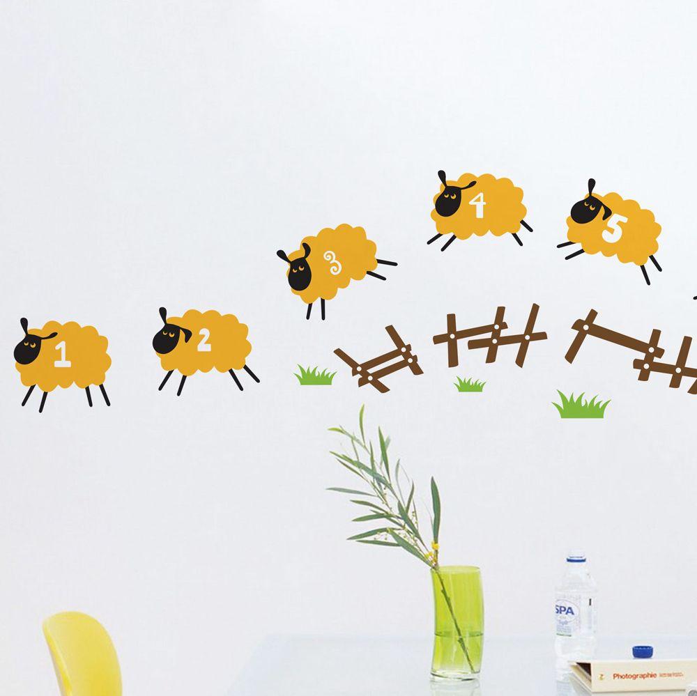 Изображение Наклейка «Веселые овечки идут домой»