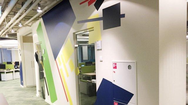 Изображение 2 - оформление стен офиса в стиле конструктивизма